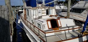 Used Grand Banks 42 Classic Queen Island Aft Motor Yacht For Sale