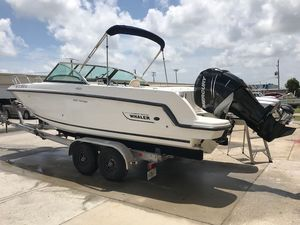 Used Boston Whaler 230 Vantage Cruiser Boat For Sale