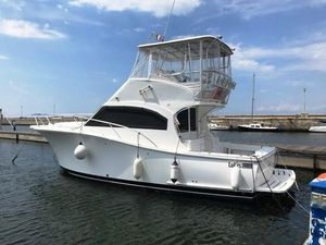 Used Luhrs 35 Convertible Motor Yacht For Sale
