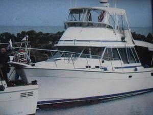 Used Bayliner 3270 Explorer Express Cruiser Boat For Sale