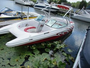 Used Mb Sports F23 TomcatF23 Tomcat Ski and Wakeboard Boat For Sale