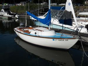 Used Cape Dory 19 Typhoon Weekender Daysailer Sailboat For Sale