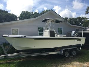 Used May-Craft 2300CC2300CC Saltwater Fishing Boat For Sale