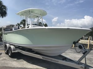 New Sportsman Boats 231 Heritage231 Heritage Center Console Fishing Boat For Sale