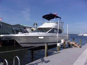 Used Bayliner Ciera 2858 CB Express Cruiser Boat For Sale