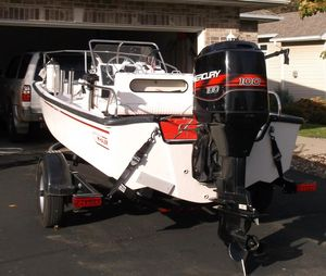 Used Boston Whaler Montauk 17 CC Center Console Fishing Boat For Sale