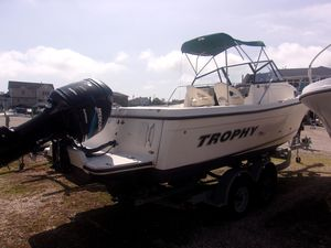 Used Trophy 2509 Walkaround Cruiser Boat For Sale