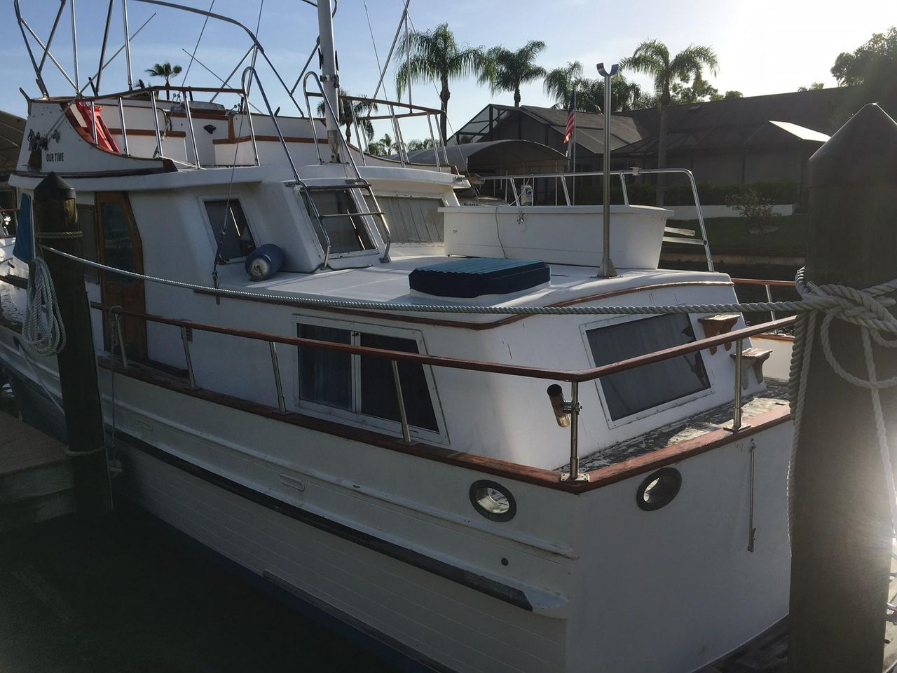 Mkgswg moreover Cc Dd De Af Ae Bca in addition B Bff Ea Xl together with Bf Eb De F C Aef Liveaboard Boats Scuba Diving additionally B D Ac A Ff Xl. on albin trawler yachts for sale florida
