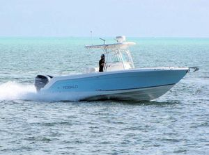 Used Robalo R260 Center ConsoleR260 Center Console Saltwater Fishing Boat For Sale