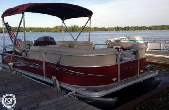Used Sylvan 8520 Mirage Cruise N Fish Pontoon Boat For Sale