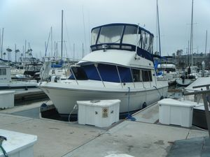 Used Carver 28 Voyager Cruiser Boat For Sale