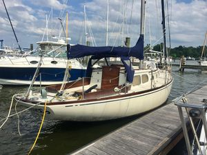 Used Rhodes Swiftsure Classic 33 -shines! Racer and Cruiser Sailboat For Sale