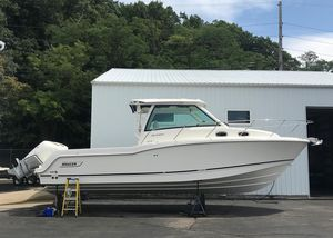 New Boston Whaler 315 Conquest315 Conquest Center Console Fishing Boat For Sale