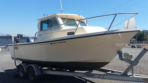 Used Parker 2120 Sport Cabin Sports Fishing Boat For Sale
