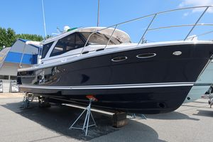 New Cutwater 30 S Luxury Edition Volvo Diesel Motor Yacht For Sale