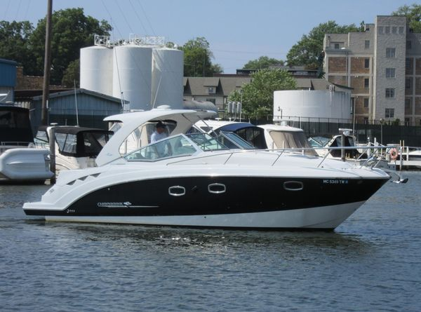 Used Chaparral 330 Signature Cruiser Boat For Sale