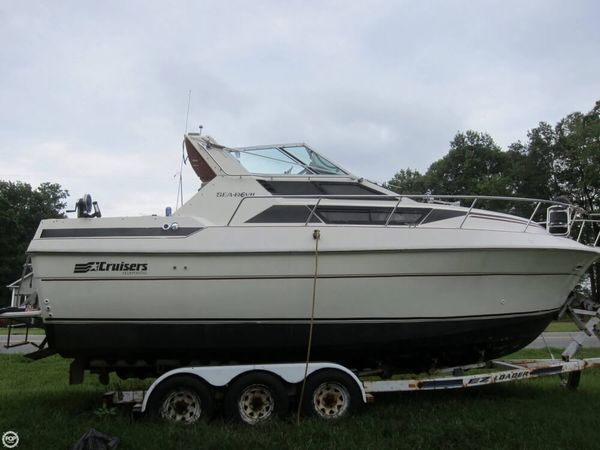 Used Cruisers Yachts 261 Sea Devil Express Cruiser Boat For Sale