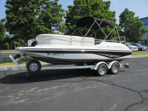 Used Starcraft Aurora 2010 OB Bowrider Boat For Sale