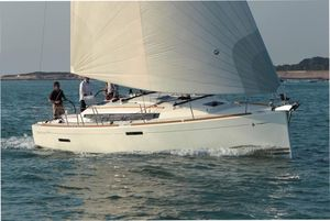 Used Jeanneau 379 Cruiser Sailboat For Sale