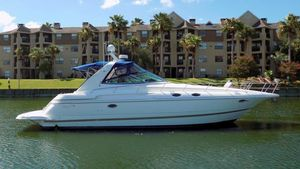 Used Cruisers Yachts 3870 Express Cruiser Boat For Sale
