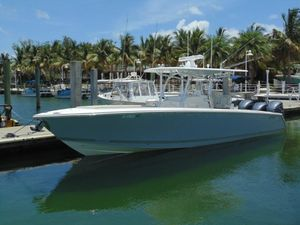 Used Jupiter 34 FORWARD SEATING Center Console Fishing Boat For Sale