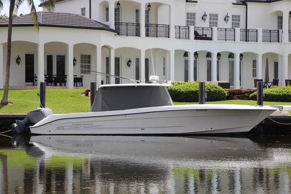 Used Hydra-Sports Vector Center Console Fishing Boat For Sale