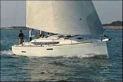 Used Jeanneau 379 Racer and Cruiser Sailboat For Sale