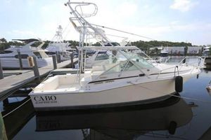 New Cabo 31 Express Cruiser Boat For Sale