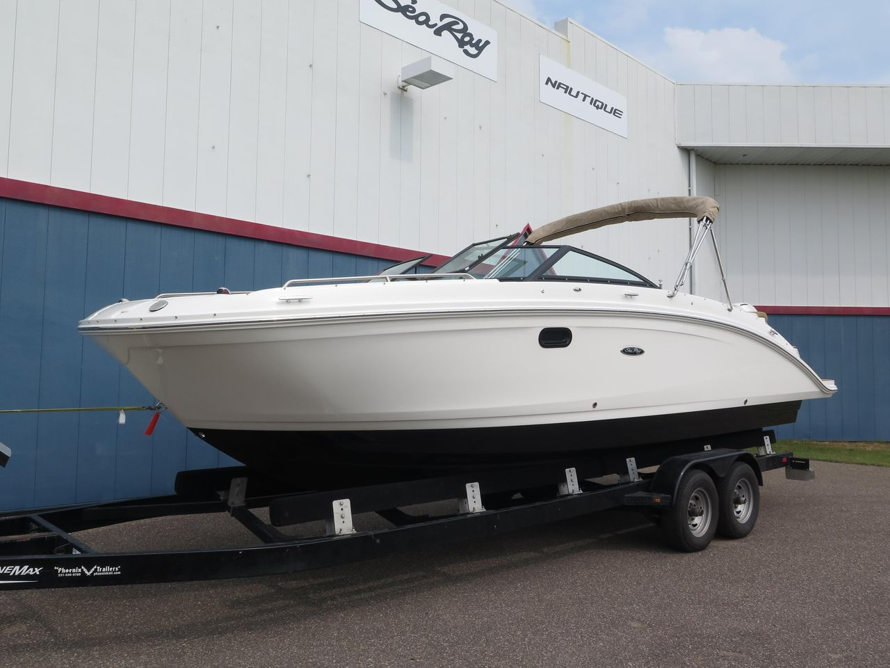 2019 New Sea Ray SDX 270 Outboard Other Boat For Sale