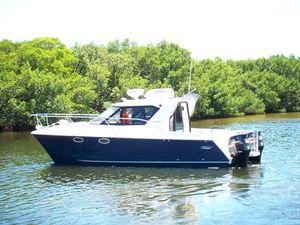 Used Arrowcat 30 Express Power Catamaran Boat For Sale