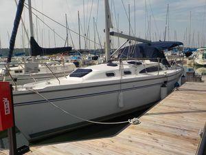 Used Catalina 350 MK11 Cruiser Sailboat For Sale
