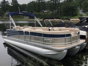 Used Berkshire 230 CL 4G STS230 CL 4G STS Pontoon Boat For Sale