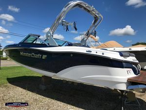 New Mastercraft XT20 High Performance Boat For Sale