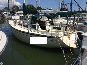 Used Islander 32 Mark II Racer and Cruiser Sailboat For Sale