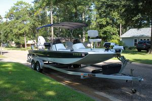 Used Excel 2472sccat Center Console Fishing Boat For Sale