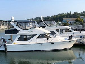 Used Bayliner 3988 Motor Yacht With Thruster Motor Yacht For Sale