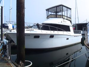 Used Carver 32 Convertible Cruiser Boat For Sale