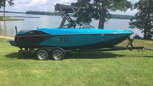 Used Axis Wake Research A22A22 Ski and Wakeboard Boat For Sale