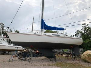 Used Pearson 10M High Performance Boat For Sale