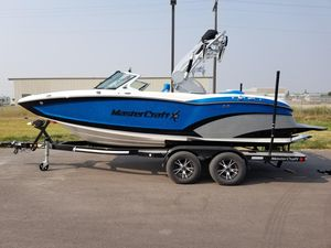 Used Mastercraft X20X20 Ski and Wakeboard Boat For Sale