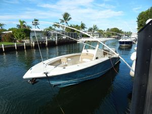 Used Scout Boats 320 LXF Sports Fishing Boat For Sale