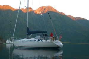 Used Beneteau First 375 Racer and Cruiser Sailboat For Sale