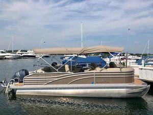 Used Bennington 2250 RCL Pontoon Boat For Sale