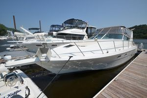 Used Trojan 400 Express Yacht Express Cruiser Boat For Sale