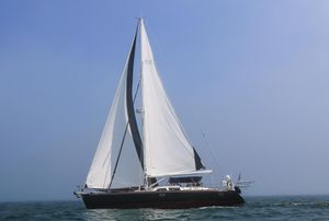 Used Hylas 54 Raised Salon Racer and Cruiser Sailboat For Sale