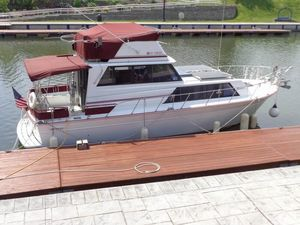 Used Marinette 32 Trawler Boat For Sale