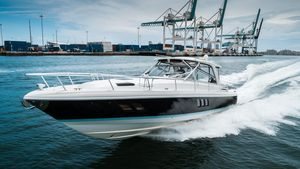 Used Intrepid 475 Sport Yacht Express Cruiser Boat For Sale