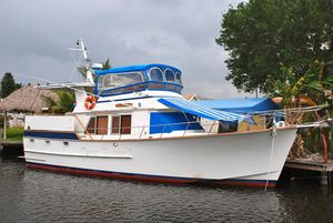 Used Ocean Alexander Sundeck Trawler Boat For Sale