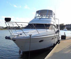 Used Carver 410 Sport Sedan Motor Yacht For Sale