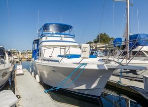 Used Chris-Craft Catalina 426 Cruiser Boat For Sale